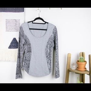Lulu lemon long sleeve python print.
